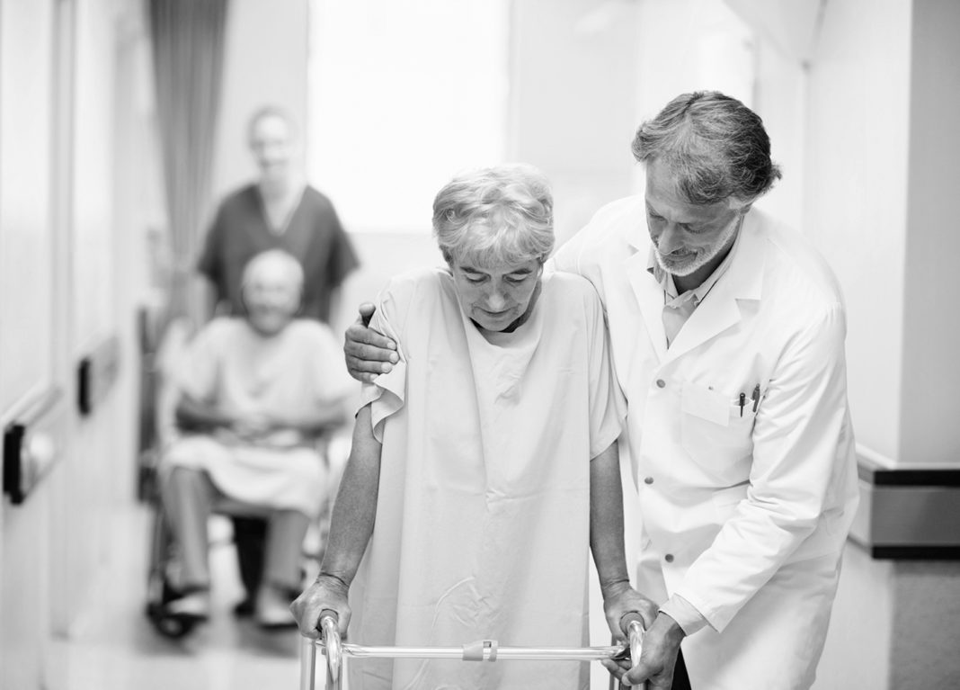 Сколько дней лежат в больнице после инсульта