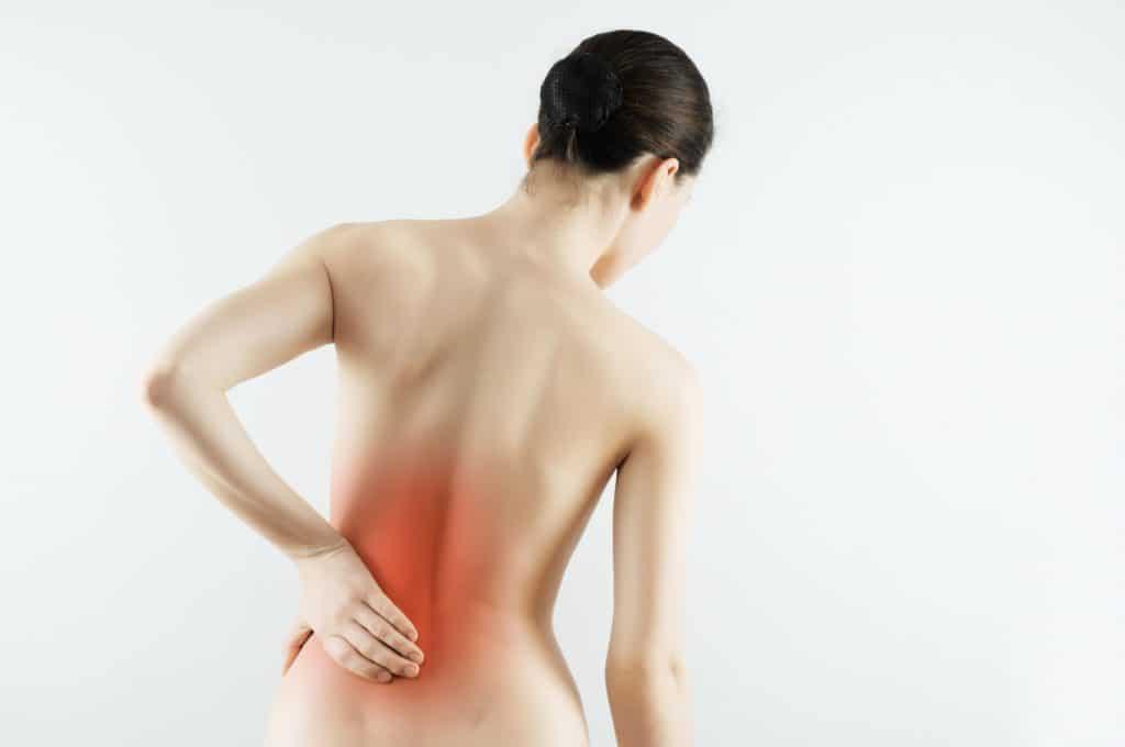 Сильная боль в пояснице может означать полиневрит почек