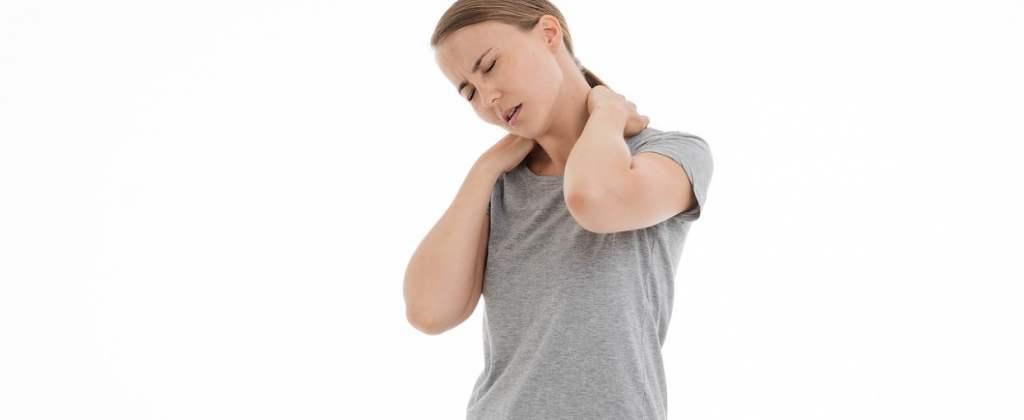 Боль в шее - компрессы и отвары, физупражнения  в помощь