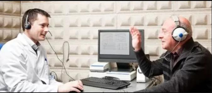 Подборка слухового аппарата в клинике